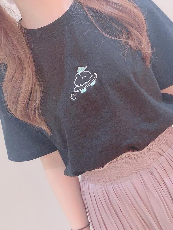 もくもくちゃんのTシャツを着用したキュートなスタイリングをご紹介!